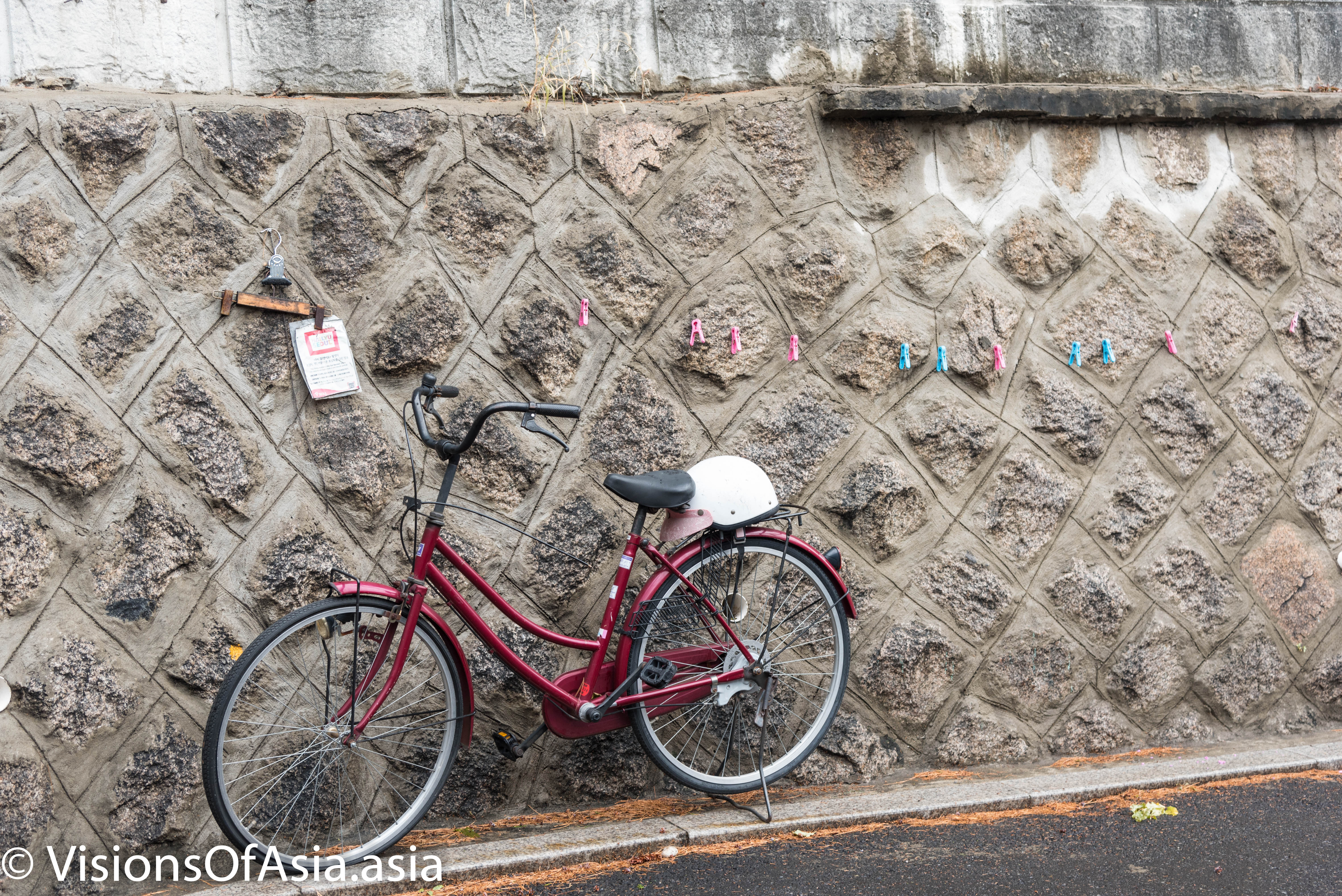 Bike in Bukchon Hanok