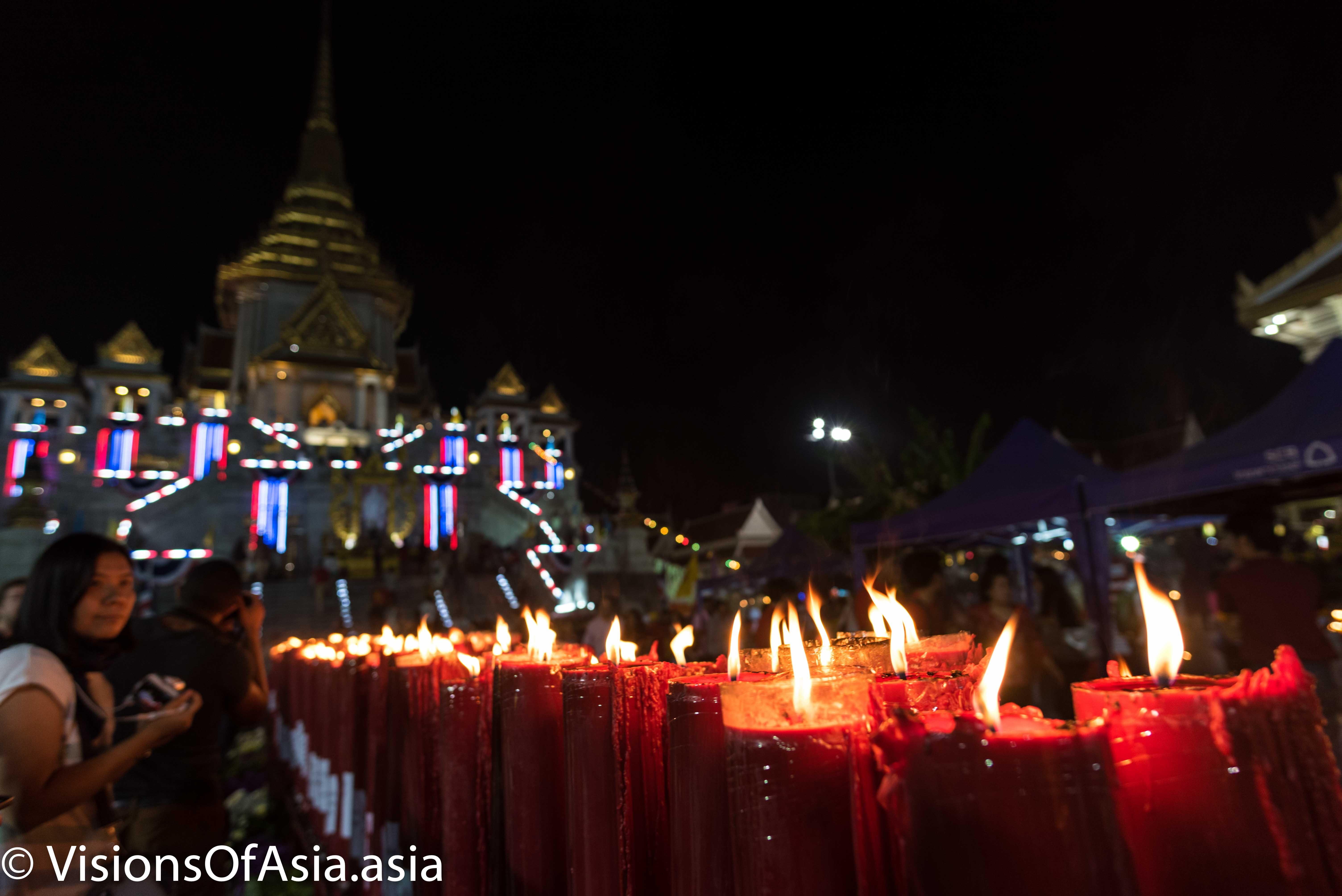 Candles of Wat Traimit