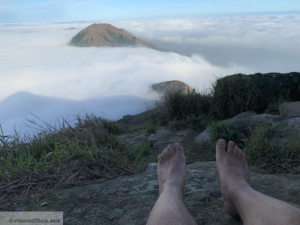 Sea of clouds on Lantau Peak