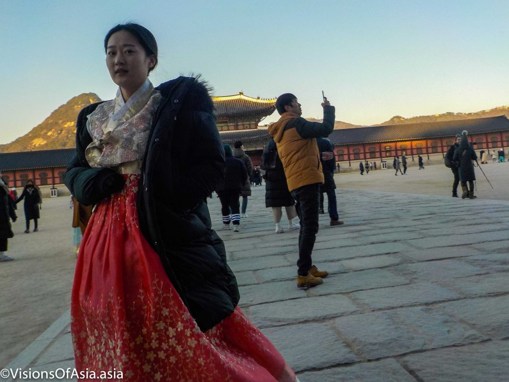 lady in hanbok