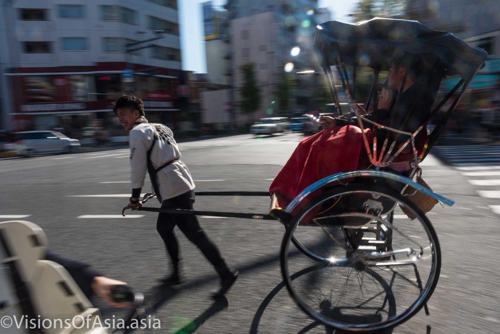 A rickshaw panning shot