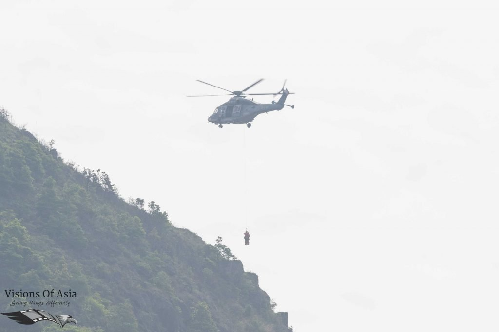 High-altitude staff are dropped on Kowloon Peak